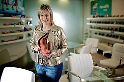 A gerente de desenvolvimento e design da Piccadilly, Ana Carolina Grings, no show room da empresa em Igrejinha. FOTO: Jefferson Bernardes/Preview.com