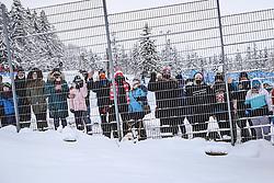 13.02.2021, Wielka Krokiew, Zakopane, POL, FIS Weltcup Skisprung, Zakopane, Einzelbewerb, Herren, im Bild Zuschauer ausserhalb des Skisprungstadions // Spectators outside the ski jumping stadium during men's competition jump for the FIS Skijumping World Cup at the Wielka Krokiew in Zakopane, Poland on 2021/02/13. EXPA Pictures © 2021, PhotoCredit: EXPA/ Tadeusz Mieczynski