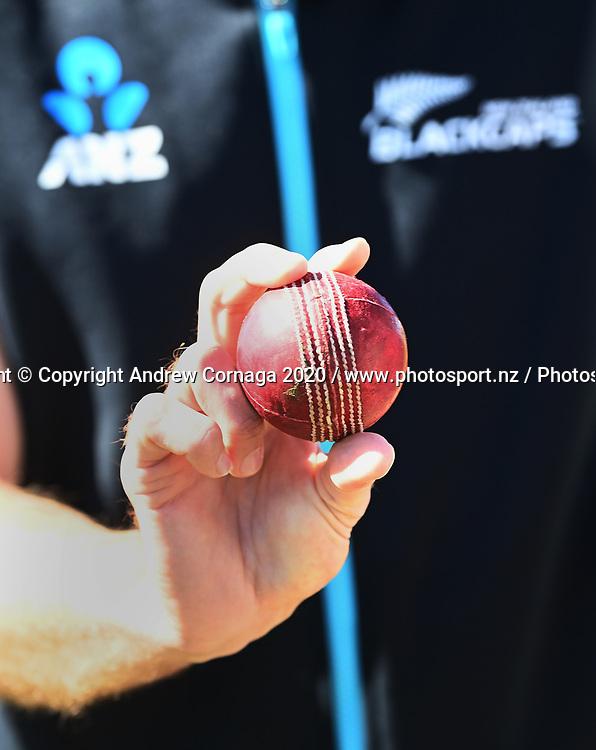 New Zealand bowler Tim Southee's grip.<br /> New Zealand Black Caps v Pakistan. International Test match cricket. Bay Oval, Tauranga, New Zealand. Day 3, Monday 28 December 2020. © Copyright Photo: Andrew Cornaga / www.photosport.nz
