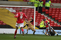 Photo: Pete Lorence.<br />Nottingham Forest v Charlton Athletic. The FA Cup. 06/01/2007.<br />Junior Agogo sends the ball past the keeper to take Nottingham into the lead.