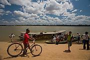 Sao Francisco_MG, Brasil...Rio Sao Francisco, o rio da integracao nacional. ..The Sao Francisco river, It is an important river for Brazil, called the river of national integration. ..Foto: JOAO MARCOS ROSA /  NITRO