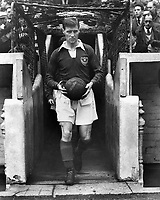 Fotball<br /> England<br /> Foto: Colorsport/Digitalsport<br /> NORWAY ONLY<br /> <br /> JIMMY DICKINSON - PORTSMOUTH 1955/56.