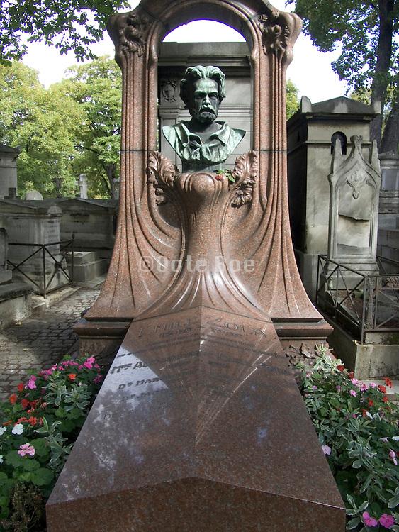 Grave of novelist and critic Emile Zola (1840-1902) Cimetiere Montmartre Paris