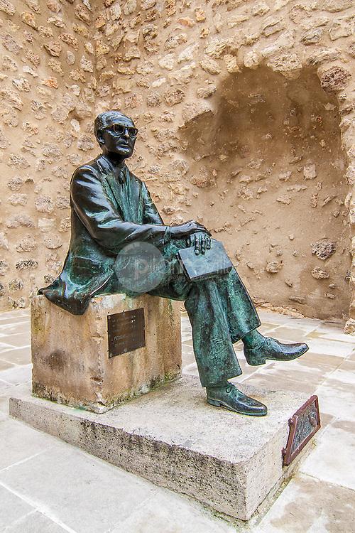 Estatua homenaje a Federico Muelas, Cuenca ©Country Sessions / PILAR REVILLA