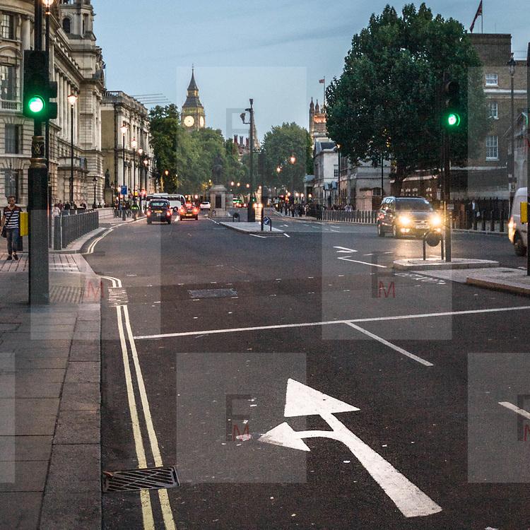 In direzione di Westminster sulla Whitehall, la strada dei principali ministeri inglesi che collega Trafalgar Square alla piazza del Parlamento.<br /> <br /> To Westminster direction through the Whitehall, the road of the main British ministries links Trafalgar Square to Parliament Square.<br /> <br /> #350d #photooftheday #picoftheday #bestoftheday #instadaily #instagood #follow #followme #nofilter #everydayuk #canon #buenavistaphoto #photojournalism #flaviogilardoni <br /> <br /> #london #uk #greaterlondon #londoncity #centrallondon #cityoflondon #londonuk #visitlondon<br /> <br /> #photo #photography #photooftheday #photos #photographer #photograph #photoofday #streetphoto #photonews #amazingphoto #dailyphoto #goodphoto #myphoto #photoftheday #photogalleries #photojournalist #photolibrary #photoreportage #pressphoto #stockphoto #todaysphoto #urbanphoto