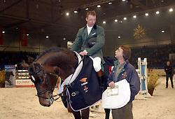 Vrieling Jur-Orame + fokker De Bruyn Leo<br />KWPN hengstenkeuring 2003<br />Photo © Dirk Caremans