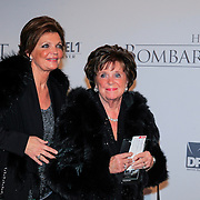 NLD/Rotterdam/20121218 - Premiere het Bombardement , Toos van der Valk en dochter