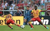 Fotball<br /> Tyskland<br /> 24.07.2013<br /> Foto: Witters/Digitalsport<br /> NORWAY ONLY<br /> <br /> v.l. Jonathan dos Santos, Thiago Alcantara  (Bayern), Alexandre Song<br /> <br /> Fussball, Uli-Hoeness Cup, FC Bayern München - FC Barcelona