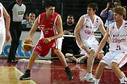 DESCRIZIONE : Roma Lega A1 2006-07 Lottomatica Virtus Roma Whirlpool Varese <br /> GIOCATORE : Fernandez <br /> SQUADRA : Whirlpool Varese <br /> EVENTO : Campionato Lega A1 2006-2007 <br /> GARA : Lottomatica Virtus Roma Whirlpool Varese <br /> DATA : 25/04/2007 <br /> CATEGORIA : Palleggio <br /> SPORT : Pallacanestro <br /> AUTORE : Agenzia Ciamillo-Castoria/G.Ciamillo
