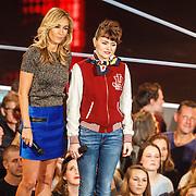 NLD/Hilversum/20160122 - 6de live uitzending The Voice of Holland 2016, Wendy van Dijk en Jennie Lena