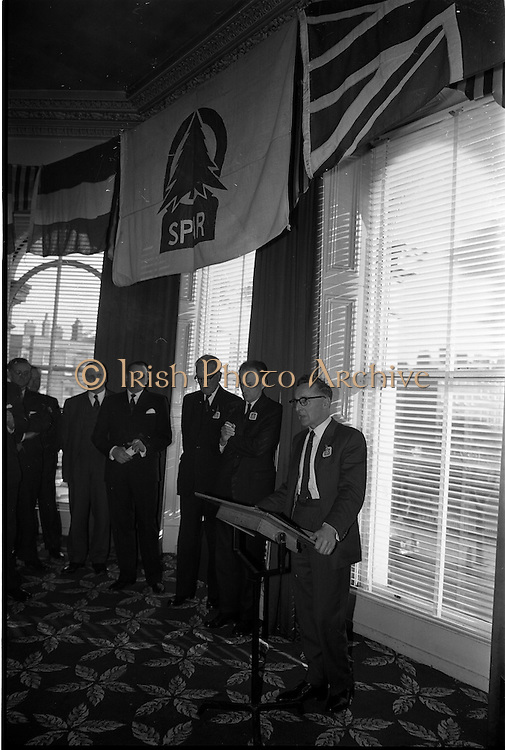 01/04/1963<br /> 04/01/1963<br /> 01 April 1963<br /> SPAR reception at the Shelbourne Hotel, Dublin. The reception announced the formation of SPAR (Ireland) Ltd. comprised of the Irish Wholesale Grocers Firms: Amalgamated Wholesalers Ltd., (P. Barrett and Sons Ltd., Dublin; D. Tyndall and Sons Ltd., Dublin and McNulty and O'Reilly Ltd., Bray); Munster United Merchants Ltd., (Maurice P. Daly Ltd., Cork and The Jamaica Banana Co. Cork) and Messrs Looney and Co. Ltd., Limerick. Mr. D. Tyndall, Chairman Amalgamated Wholesalers Ltd., Speaking at the reception.
