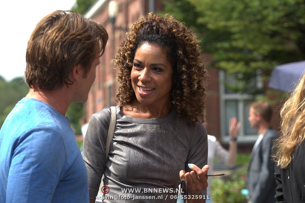 NLD/Amsterdam/20150819 - Persdag Expeditie Robinson 2015, weervrouw Amara Onwuka