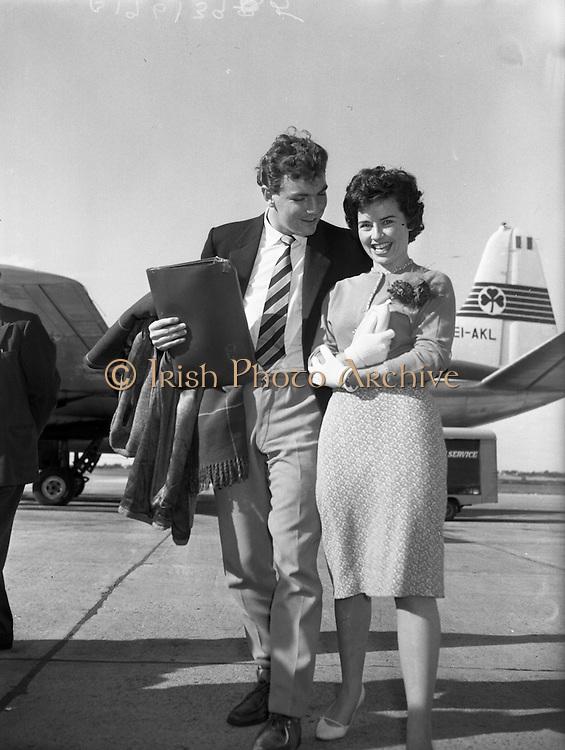 Lion's Touring Team Return on Flight 157 at Dublin Airport .01/10/1959 . Skerries Lloyds Shop Kilmainham, North WallPost Office, Old House off Lr Sheriff St. April 1987