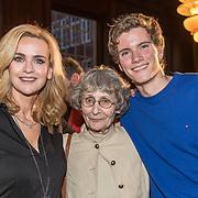 NLD/Amsterdam/20190221- boekpresentatie Daphne Deckers:  'Dubbel Zes', Daphne Deckers met haar zoon Alec Deckers en haar moeder