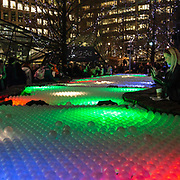 L'annuale edizione del festival delle luci a Canary Wharf, una mostra all'aperto di installazioni luminose. Pool of Light<br /> <br /> The yearly edition of the lights festival in Canary Wharf, an open-air exhibition of light installations. Pool of Light
