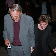 Barclay Catwalk 2001,  Hans van Mierlo en Connie Palmen