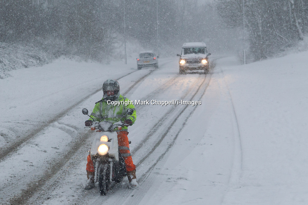 Commuters struggle to get to work as heavy overnight snow causes disruption in rural Wiltshire. January 18 2013. Corsham, UK..Photo by: Mark Chappell/i-Images