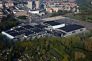 Nederland, Zuid-Holland, Rotterdam 19-09-2009; Rotterdam-Zuid, deelgemeente Charlois, Zuiderparkweg. Evenementenhal Ahoy, overdekt winkelcentrum Zuidplein in de achtergrond. Ahoy Rotterdam (voorheen Sportpaleis Ahoy'), accommodatie voor beurzen, (sport)evenementen, concerten, congressen..Rotterdam-Zuid district Charlois, Zuiderparkweg. Exhibition and event centre Ahoy, Zuidplein indoor shopping mall in the background..luchtfoto (toeslag), aerial photo (additional fee required).foto/photo Siebe Swart