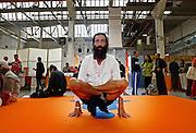 Milano, festival dello yoga al superstudio , Gregorio ZUCCHINALI, insegnante di Hata Yoga.....Milan, yoga festival, Hata Yoga, teacher Gregorio Zucchinali
