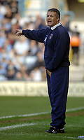 Photo. Glyn Thomas. <br /> Coventry City v Brighton and Hove Albion. <br /> Coca Cola Championship. 02/04/2005.<br /> Coventry's manager Micky Adams shouts instructions to his players.