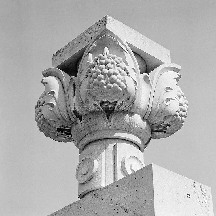 Monument to NOB