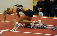 NM Friidrett Innendørs 12-13 februar 2011<br /> Ranheim Friidrettshall, Trondheim<br /> <br /> Petter Northugs kjæreste Rachel Nordtømme, fra Steinkjer Friidrettsklubb, gjør seg klar til å løpe 400 m<br /> <br /> Foto : Arve Johnsen, Digitalsport