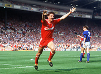 Fotball<br /> Liverpool<br /> Foto: Colorsport/Digitalsport<br /> NORWAY ONLY<br /> <br /> Ian Rush Celebrates after scoring his 1st and Liverpool's 2nd goal. Liverpool v Everton. FA Cup Final. 20/05/1989.