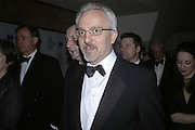 Alan Hollingsworth, Drinks Reception before the Man Booker Prize 2006. Guildhall, Gresham Street, London, EC2, 10 October 2006. -DO NOT ARCHIVE-© Copyright Photograph by Dafydd Jones 66 Stockwell Park Rd. London SW9 0DA Tel 020 7733 0108 www.dafjones.com