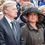 NLD/Amsterdam/20160504 - Nationale Dodenherdenking 2016 Dam Amsterdam, Jeanine Hennis-Plasschaert en Martin van Rijn