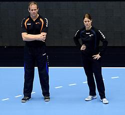 19-12-2015 DEN: World Championships Handball 2015 Training Oranje, Herning<br /> Na een rustige training werd er een persmoment gehouden / Bondscoach Henk Groener, Debbie Klein