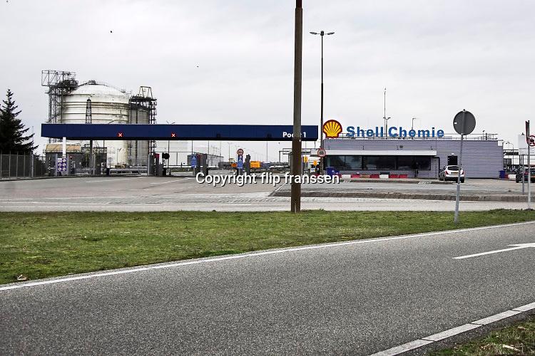 Nederland, Moerdijk, 20-2-2020 De vestiging van Shell chemie op het industrieterrein van Moerdijk .Foto: Flip Franssen