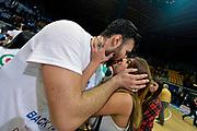 DESCRIZIONE : Final Eight Coppa Italia 2015 Finale Olimpia EA7 Emporio Armani Milano - Dinamo Banco di Sardegna Sassari<br /> GIOCATORE : Brian Sacchetti<br /> CATEGORIA : esultanza post game post game curiosita<br /> SQUADRA : Banco di Sardegna Sassari<br /> EVENTO : Final Eight Coppa Italia 2015<br /> GARA : Olimpia EA7 Emporio Armani Milano - Dinamo Banco di Sardegna Sassari<br /> DATA : 22/02/2015<br /> SPORT : Pallacanestro <br /> AUTORE : Agenzia Ciamillo-Castoria/Max.Ceretti