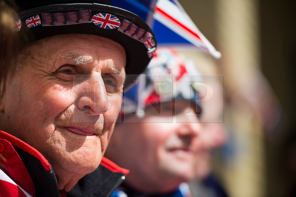 25/04/2015. Royal fan Terry Hutt (left) outside the Lindo Wing of St Mary's hospital in Padding, where The Duchess is due to give birth. Photo credit: Ben Cawthra