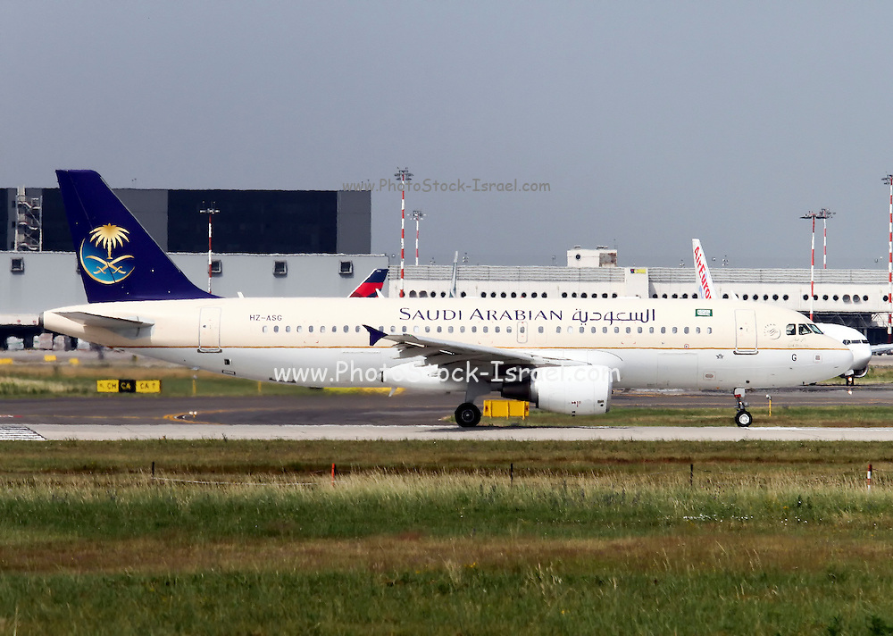 HZ-ASG Saudi Arabian Airlines, Airbus A320-214 at Malpensa airport, Milan, Italy