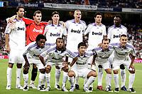 Fotball<br /> Foto: imago/Digitalsport<br /> NORWAY ONLY<br /> <br /> 19.08.2007  <br /> <br /> Mannschaftsbild Real Madrid, hi.v.li.: Ruud van Nistelrooy, Torwart Iker Casillas, Sergio Ramos, Pepe, Miguel Torres und Mahamadou Diarra; Vorn: Royston Drenthe, Robinho, Raul Gonzalez, Wesley Sneijder und Fabio Cannavaro<br /> <br /> Lagbilde Real Madrid