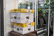 Nederland, Bleiswijk, 12-2-2020 In de kassen van de WUR, wageningen universiteit, was een informatieve bijeenkomst met rondleiding voor de glastuinbouw. De nadruk op het LichtEvent 2020 lag op de toepassing van moderne glassoorten en LED belichting . In de kassen doet de voormalige landbouw universiteit onderzoek om een optimale teelt van bloemen, planten , groente en fruit te bereiken . Foto: Flip Franssen