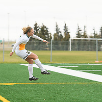 1st year Brooke Schlossarek (27) of the Regina Cougars action during the Women's Soccer home game on October 21 at U of R Field. Credit: Arthur Ward/Arthur Images