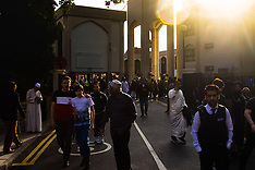 2017-06-25 Muslims celebrate Eid in early morning London