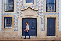 Portugal, Lisbonne, quartier de Alfama, facade d'un immeuble // Portugal, Lisbon, Alfama, frontage of a appartement