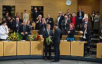 DEU, Deutschland, Germany, Erfurt, 05.12.2014:<br /> Der Fraktionsvorsitzende der Partei DIE LINKE in Thueringen, Bodo Ramelow, empfaengt Glueckwuensche von Mike Mohring (CDU) am Tag seiner Wahl zum Ministerpraesidenten von Thueringen im Plenum des Landtags.