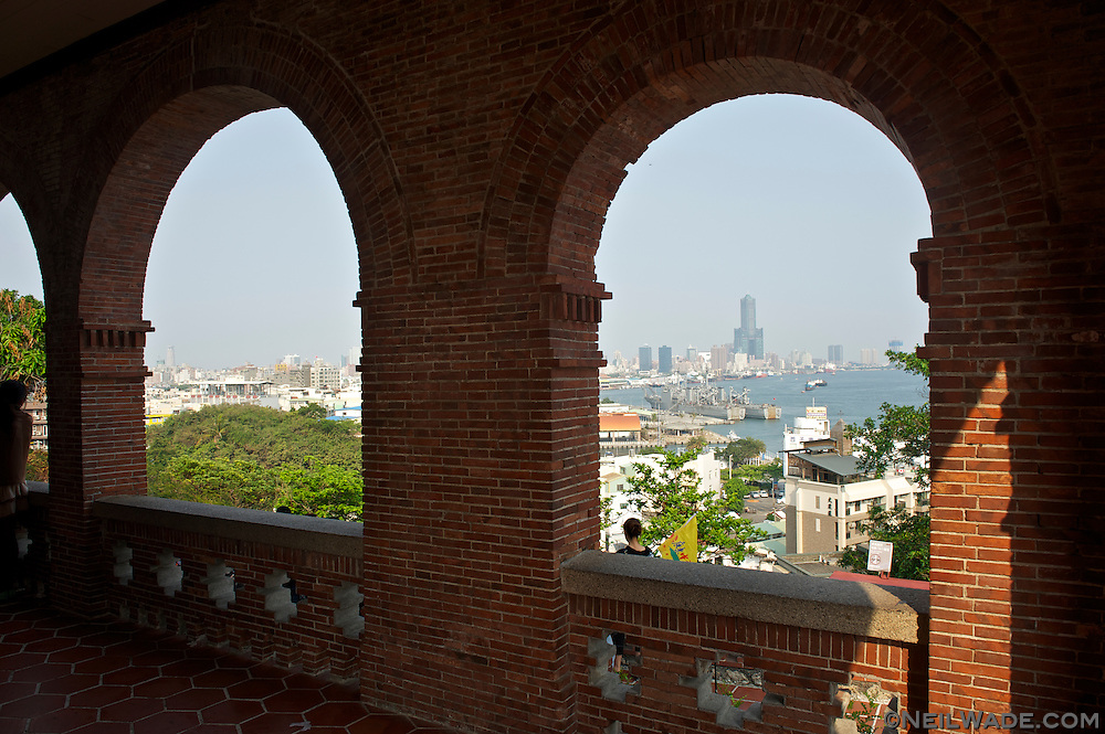 The Dagou Former British Consulate in Kaohsiung has excellent views of Kaohsiung Port, Kaohsiung City and Xiziwan Bay.