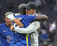 Football - 2021 / 2022  Premier League - Tottenham Hotspur vs Chelsea - Tottenham Hotspur Stadium - Sunday 19th September 2021<br /> <br /> Romelu Lukaku of Chelsea celebrates after the match with Chelsea manager, Thomas Tuchel<br /> <br /> Credit : COLORSPORT/Andrew Cowie