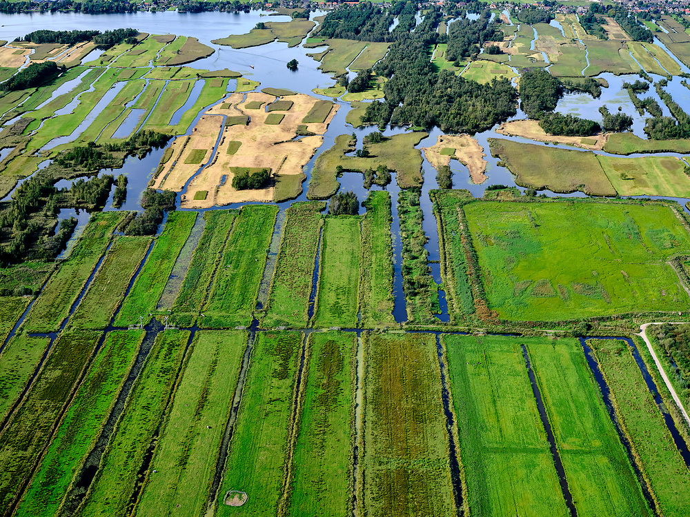 Nederland, Zuid-Holland, Achttienhoven, 14-09-2019; Plassengebied rond de Meije, Wijde van Vliet.<br /> Water area, peat meadow landscape, border Utrecht Zuid-Holland.<br /> <br /> luchtfoto (toeslag op standard tarieven);<br /> aerial photo (additional fee required);<br /> copyright foto/photo Siebe Swart