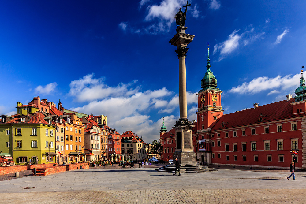 Royal Castle and the statue of King Sigmund III on Castle Square, Plac Zamkowy in Warsaw, Poland.