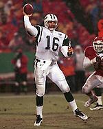 New York Jet quarterback Vinny Testaverde during game action against the Kansas City Chiefs at Arrowhead Stadium in Kansas City, Missouri on November 1, 1998.