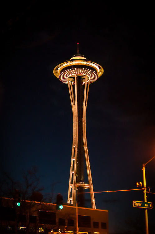 The Pacific Northwest's major landmark, and Seattle's most recognized symbol - the Space Needle is 605 feet (184 m) high at its highest point and 138 feet (42 m) wide at its widest point.