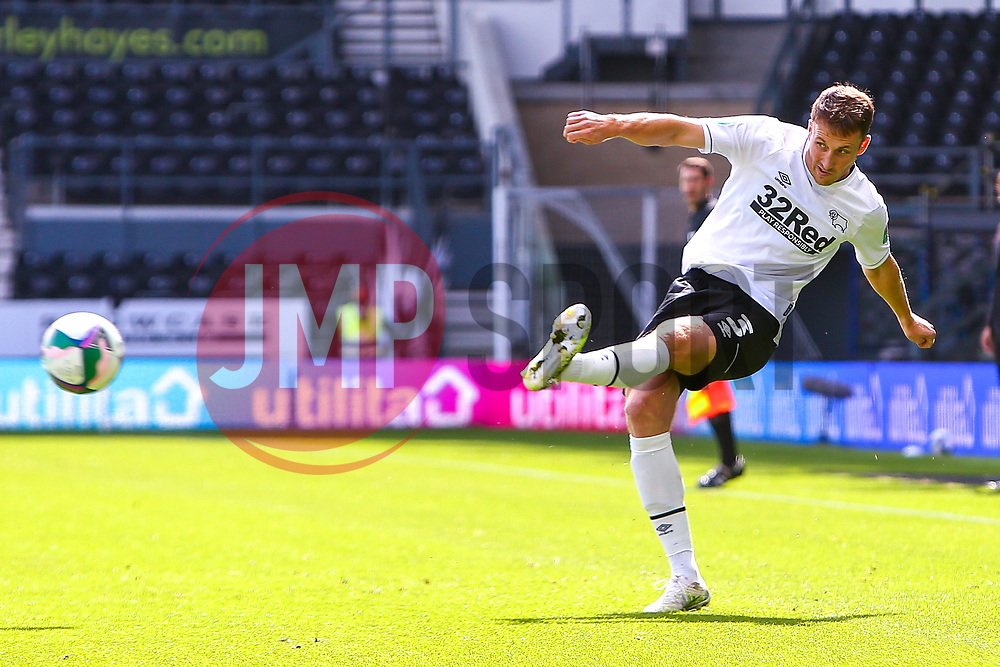 Craig Forsyth of Derby County puts in a cross - Mandatory by-line: Ryan Crockett/JMP - 05/09/2020 - FOOTBALL - Pride Park Stadium - Derby, England - Derby County v Barrow - Carabao Cup