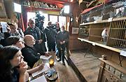 Grafwegen, Groesbeek, 2-4-2018Hanenkraaien kampioenschap in huiskamercafe Merlijn. Rechts initiatiefnemer van het eerste uur Sjef Reichgelt.Foto: Flip Franssen