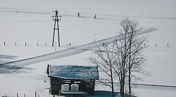 THEMENBILD - Langläufer laufen auf der Skatingspur einer Langlaufloipe in unberührter Winterlandschaft, aufgenommen am 08. Februar 2020 in Kaprun, Oesterreich // Cross-country skiers run on the skating track of a cross-country ski run in an untouched winter landscape, in Kaprun, Austria on 2020/02/08. EXPA Pictures © 2020, PhotoCredit: EXPA/Stefanie Oberhauser