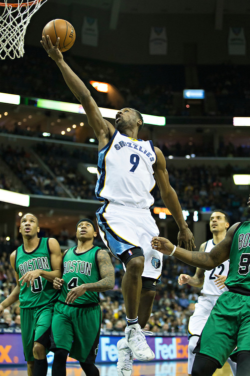 """MEMPHIS, TN - JANUARY 10:  Tony Allen #9 of the Memphis Grizzlies goes up for a lay up against the Boston Celtics at FedExForum on January 10, 2016 in Memphis, Tennessee.  """"NOTE TO USER: User expressly acknowledges and agrees that, by downloading and or using this photograph, User is consenting to the terms and conditions of the Getty Images License Agreement.""""  (Photo by Wesley Hitt/Getty Images) *** Local Caption *** Tony Allen"""